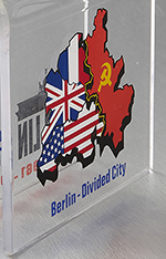 Berliner_Mauer_the_wall_Berlin_piece_Mauerstein_Souvenirs_Souvenir_Illustration_back_2.jpg